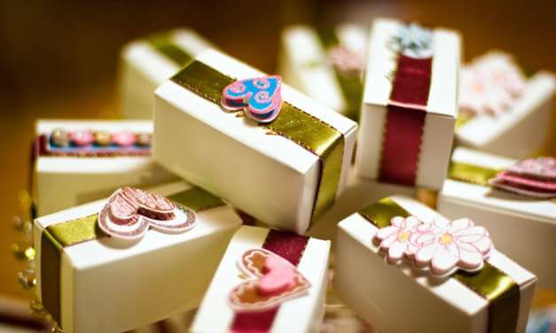 Do You Need To Provide Wedding Celebration Favors?