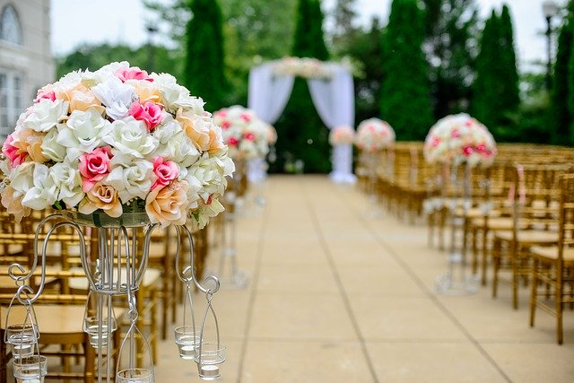 Planning Your Wedding Blossoms And Also Designs